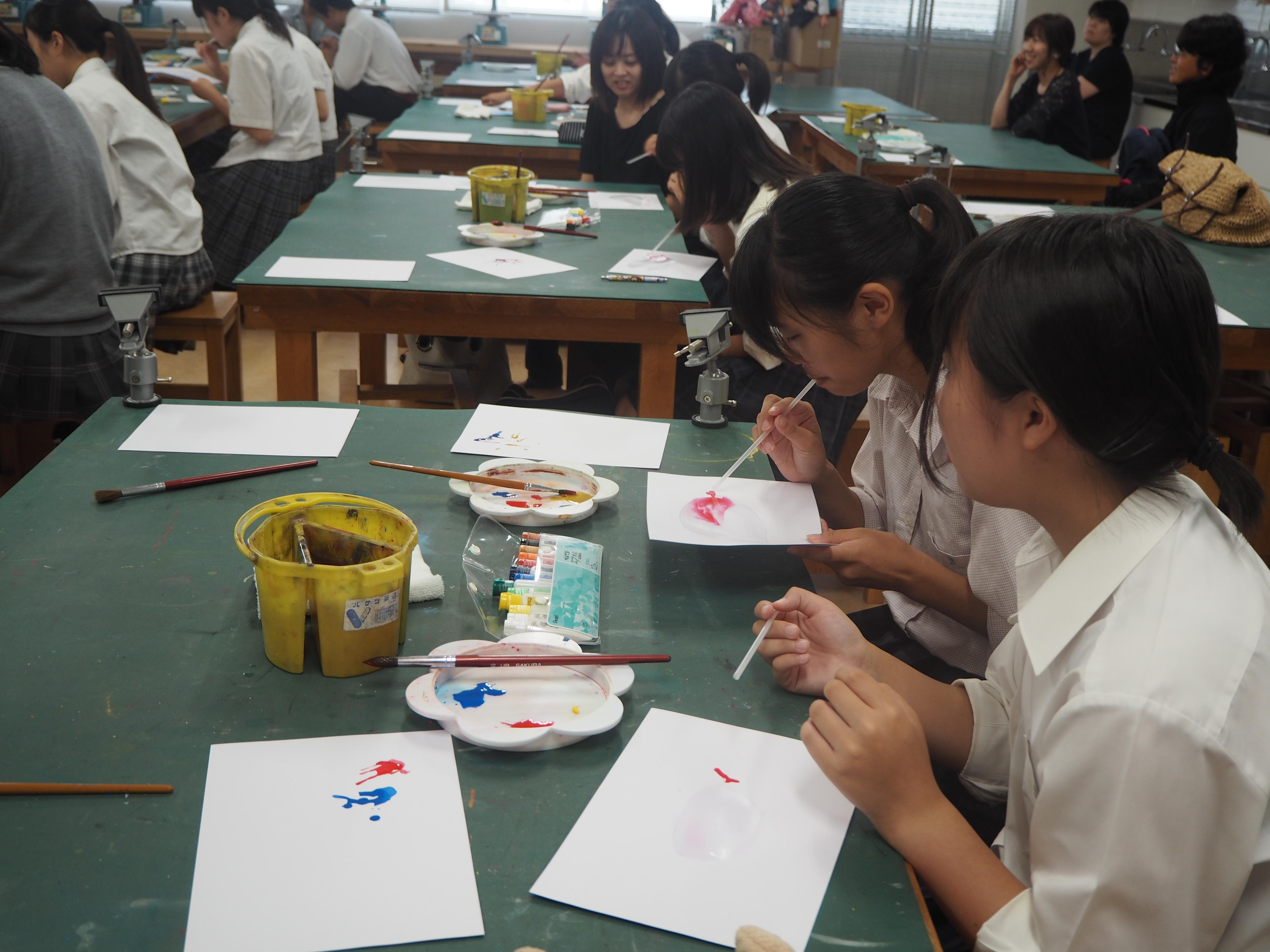 学び体験「絵具を使った楽しい造形表現」